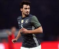 Munich chairman Rummenigge confirms Hummels talks