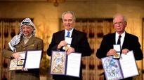 Hamas returns Arafat's Nobel prize to PA