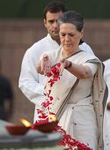 Nation pays tribute paid to former PM Rajiv Gandhi