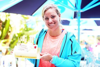 Birthday girl Kerber gifts unnecessary points before winning