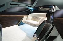 Rolls-Royce Vision Next 100: Bespoke AI for the Future of Mobility