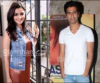 Alia Bhatt moves beyond Karan Johar, Varun & Sidharth!