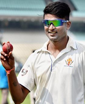 Ranji Roundup: Karnataka rout Delhi; Saurashtra eye bonus-point