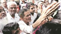 Pay day pandemonium: Long queues, dry ATMs, teary eyes
