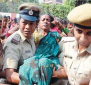 Anganwadi workers on massive stir in Bengaluru, CM fails to defuse situation