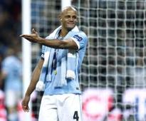 Man City's Kompany sidelined with groin injury