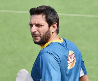 Afridi's future bleak after being delisted from central contract