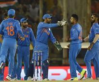 World T20: Dhoni Has Enough Options to Stop Gayle, Feels Sangakkara