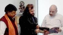 Hans Raj Hans now flies from Congress, lands in BJP