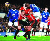 Everton hold United 1-1