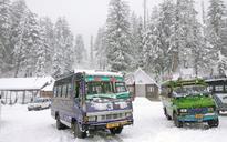 Heavy snowfall adds to chill in Vaishno Devi, Kedarnath, Yamunotri