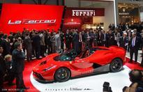 Ferrari LaFerrari Spider Spied!