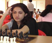 Top seed Eesha Karavade win easy in National Chess