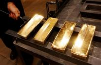 Gold extends gains, buoyed by Indian festival demand
