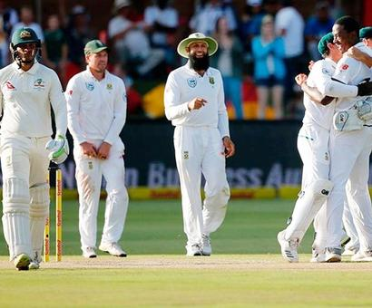 PHOTOS: Khawaja leads fightback but South Africa strike late on Day 3