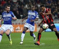 Nice held by Bastia as PSG close gap thanks to Cavani