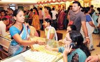 People jostle to buy gold