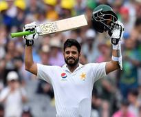 Azhar defies Sri Lanka in first Test