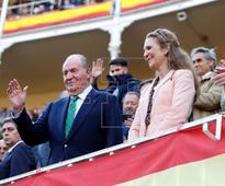 TOROS SAN ISIDRO - El Rey Juan Carlos asiste a la primera corrida de