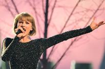 Taylor Swift Performs 'This Is What You Came For' at Formula 1 Concert: Watch