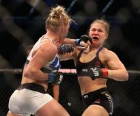 UFC Superstar Ronda Rousey To Host SNL This Month