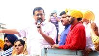 Kejriwal takes on Majithia in SAD stronghold, Akalis launch counterattack