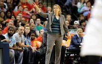 Obama praises WNBA's Lynx for setting example for girls