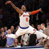 Smith steps up for Knicks after Rihanna calls him out for partying