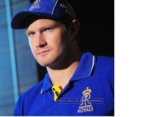 IPL auction: Shane Watson and Yuvraj Singh become million dollar buys after Bangalore and Hyderabad bids!