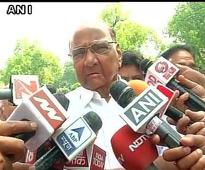 Pawar sings Nitish tune, dodges question on Rahul