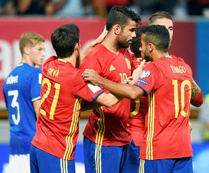 Football Briefs: Spain face possible 2018 World Cup ban