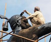 Fadnavis reviews work on Shivaji Maharaj memorial
