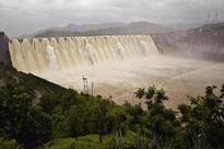Overflowing Narmada dam attracts 54,000 tourists