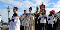 Colourful procession to thank St Anthony
