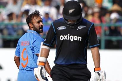 Anil Kumble helps me a lot, says legspinner Amit Mishra