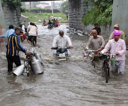 3 dead as heavy rains batter Gujarat