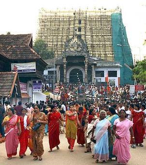 Women can now enter Padmanabhaswamy temple in salwar kameez