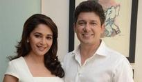 Madhuri Dixit`s husband happiest man on earth, says Arshad Warsi