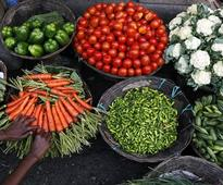 High food prices pose challenge to India's inflation target