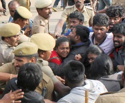 Jallikattu: Rajinikanth, Kamal Haasan call for restraint by students
