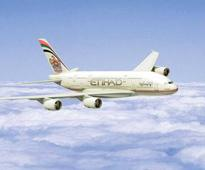 July 23, 2006: Airbus A380 arrives in Al Ain for hot weather tests