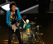 Rolling Stones guitarist Ronnie Wood has surgery for lung lesion