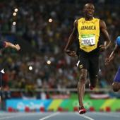 Rio 2016: Usain Bolt wins 200m final for the third successive time
