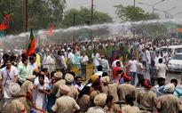 BJP holds protest at India-Pakistan border over Sarabjit's death