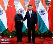 Xi Jinping Holds Talks with President Pranab Mukherjee of India