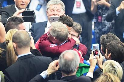 Ronaldo celebrates Euro win with Ferguson