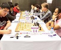 Wang Hao draws with Shirov to keep top slot