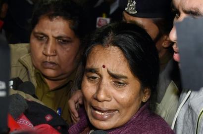 He should've died: Nirbhaya's mother on Vinay's suicide bid