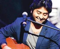 Arijit Singh: Nobody can romance like SRK in the whole world