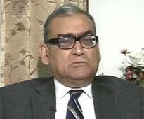 Quit, if you cannot abide by constitution: Justice Markandey Katju tells Jayalalithaa